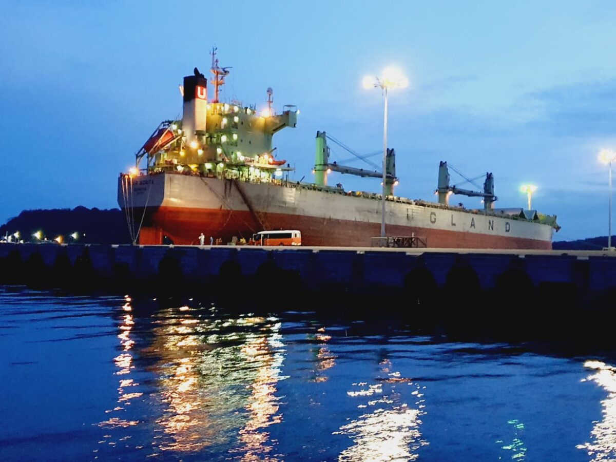 Emergency propellor repairs carried out by colombo dockyard on norwegian owned bulk carrier in trincomalee